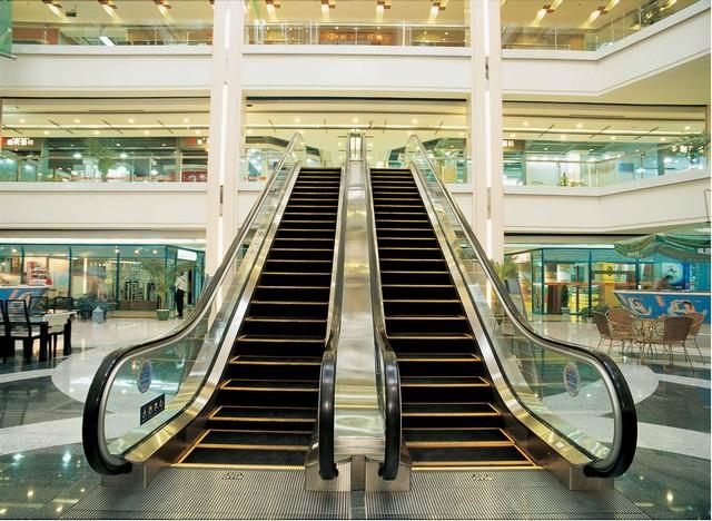 thang cuốn thường được lắp đặt ở các sân bay, siêu thị, trung tâm thương mại, các ga tàu điện...